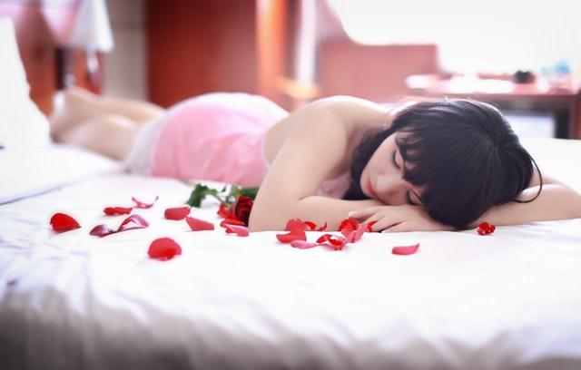 Kvinders yndlingssexstillinger - Se hvilke sexstillinger kvinderne elsker